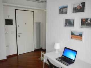 APARTMENT NEAR RHO FIERA MILANO & LAKES