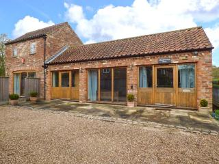 MEADOWSWEET BARN romantic retreat with AGA, woodburning stove, underfloor heating in Old Bolingbroke near Spilsby Ref 921961