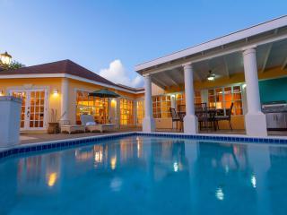 Elegant golf course villa, ideal for families, Cap Estate