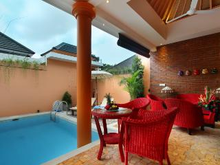 Dining area next to the pool