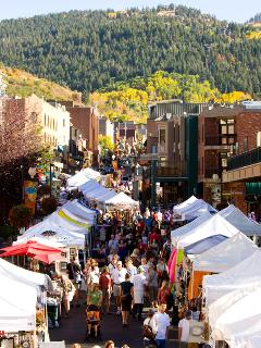 Park Silly Farmer's Market & Festivals on Main St, just steps away from our condo!