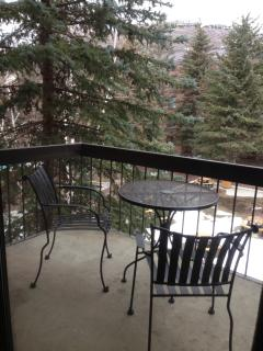 Main St 2 Bd/2 Ba Condo Sleeps 8 PERFECT LOCATION
