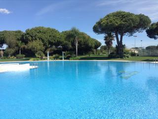3 bed apartment Quarteira - huge pool