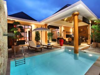 Complex of stylish trendy and cozy villas 10BR, Seminyak