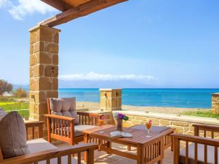 Luxury villa Pearl  30 metres from the beach