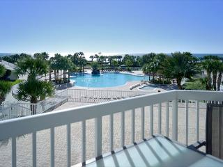 BEACHFRONT FOR 8! LUXURIOUS! OPEN 3/19-26! CALL BEFORE IT'S GONE!, Destin