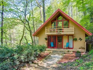 Hot December Special from $109!!! 3 BR Downtown Gatlinburg Chalet.