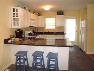 LARGE CONDO WITH POOL 124227