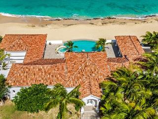 Carisa at Baie Rouge Beach, Saint Maarten - Beachfront, Pool & Jacuzzi, Media