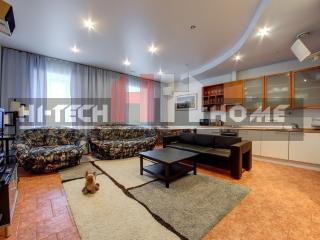 Three room VIP apartments in SPb on Italyanskaya 1, St. Petersburg