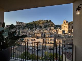 Platone, luxury apartment with view, Scicli