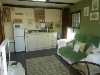 'THE NEST' HOLIDAY HOME IN CHICKERELL DORSET, Chickerell