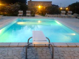 Le Marocce, 3 km to Castro, wifi, a/c private pool, Spongano