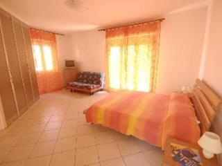 Appartamento in VILLA- Relax nel verde vicino, Procchio