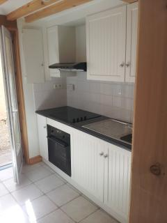 Fully Fitted New Kitchen