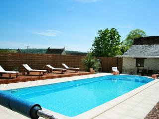 2 Bedroom Gite with private pool, La Guerche