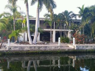 Beautiful Canal Home - Minutes From Open  Water, Big Pine Key
