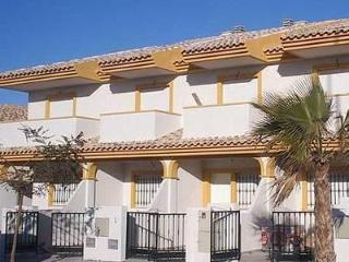2 bed Townhouse 25 metres from the beach La Manga, Playa Paraiso