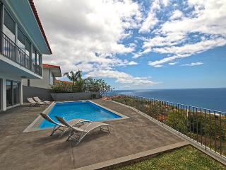 Villa Panoramica with private heated pool