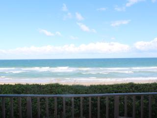 Hutchinson Island beachfront condo fully upgraded