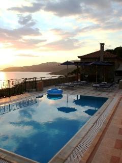 New Kardamili Resort