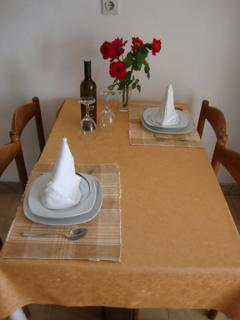 A2(4): dining room