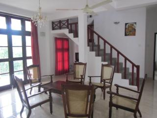 Riverside8On12 - Your holiday home in Kandy