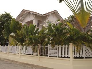 2 Villa's 500 meters from the beach, 12 persons, Pattaya
