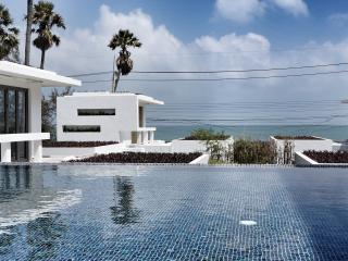 Luxury 2Bdr  Beachfront Penthouse, Pak Nam Pran
