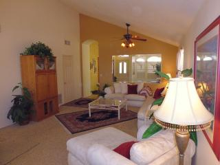 Arrowhead Golf Lot 4 Bdrm Furnished Home with Pool, Glendale