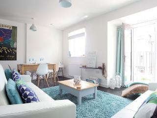 SLOFT Apartment in Charlestown, Par