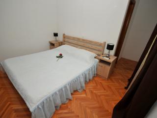Villa Dante Room 3, Moffat