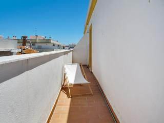 City-view apartment with large terrace, Olhao