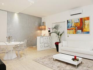 Villa La Vela - appartamento piano terra, Roma
