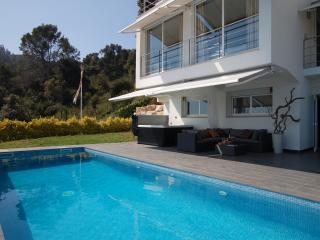 Villa Alta Vista - modern luxury villa, Blanes