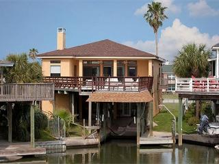 Paradise Cove is a fisherman's Abode! Boat slip available. Game Room., Galveston