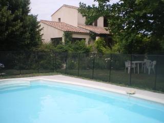 villa avec grand jardin arboré et piscine privée, Le Thor