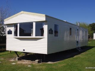 8 Berth Holiday home comfatable well situated in a quite part of the park