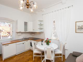 Apartment Antonikola - One-Bedroom Apartment