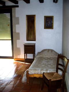 Single Bed in downstairs double bedroom