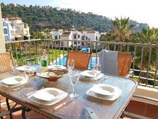 Sunny 3 Bed Apartment With Great Views Nr Marbella, Benahavis