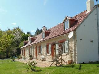 Beautiful Cottage (2) with 10 x 5 Pool, Cromac
