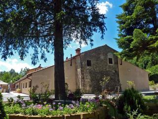 A Charming Medieval Inn on the Pistoia Apennines