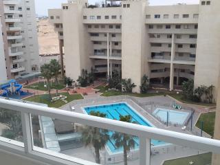 4 Bedroom Apartment On The Tzuk Beach Aviv, Tel Aviv