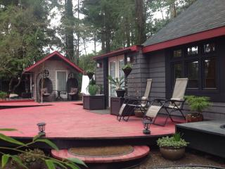 Modern design in country setting, North Saanich