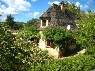 La Maison du Gardien in late summer in its natural setting...
