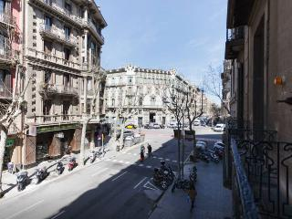 Beautiful apartment in Barcelona's city center