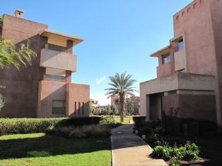 Luxury apartment- Marrakech centre on golf course
