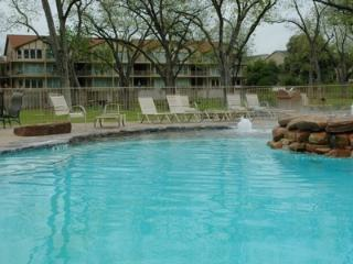Hill Country Hideout - 3BDR/3BTH on the Guadalupe River!!!