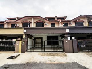 Sakura Gita Guest House